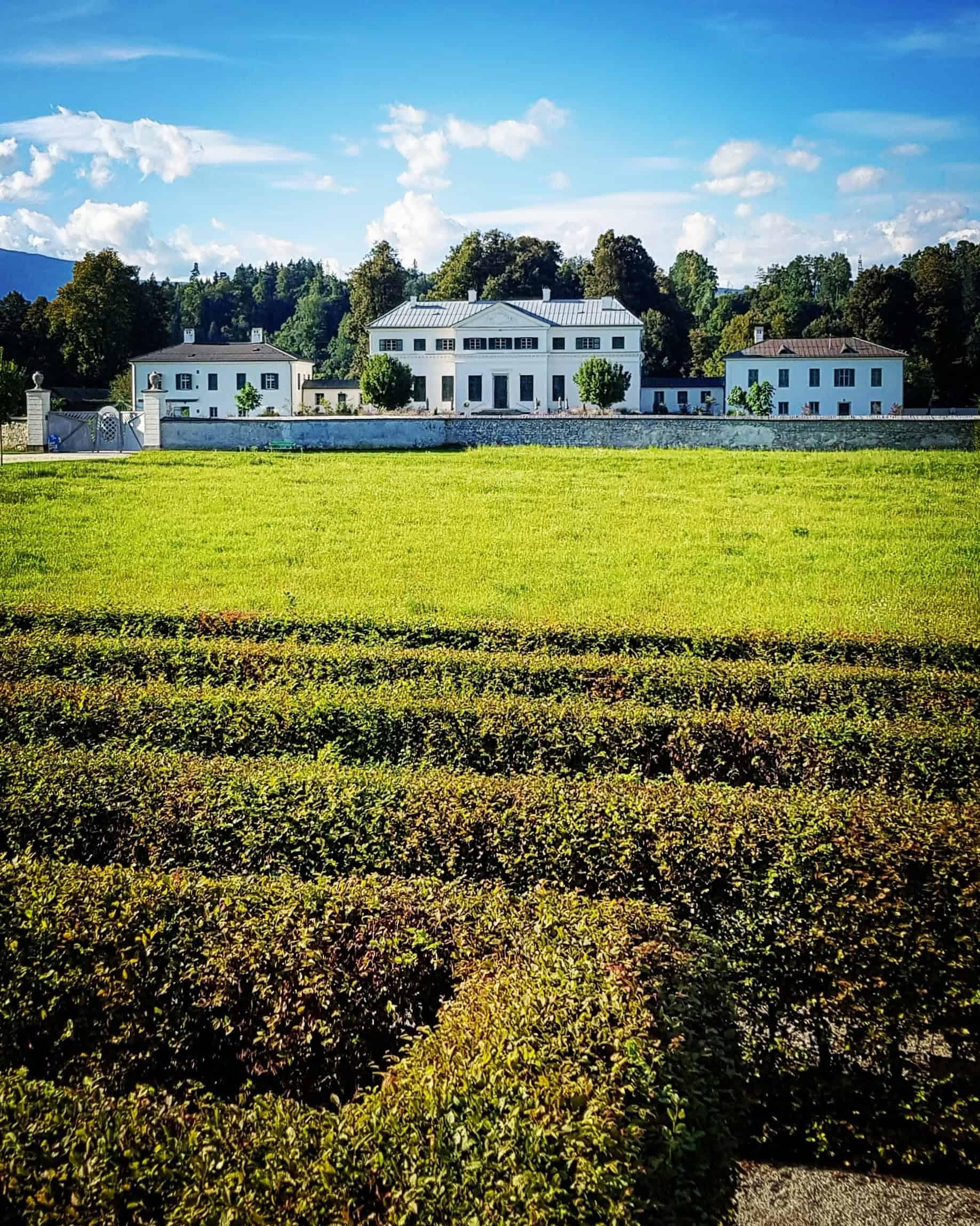 Gartenlabyrinth mit Schloss - Sehenswürdigkeit Kärnten