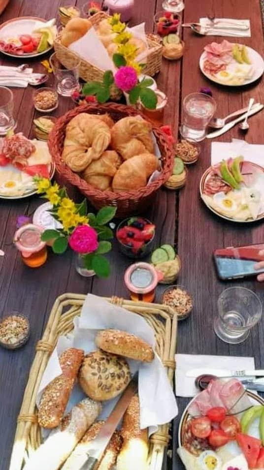 Frühstück im Tierpark-Buffet