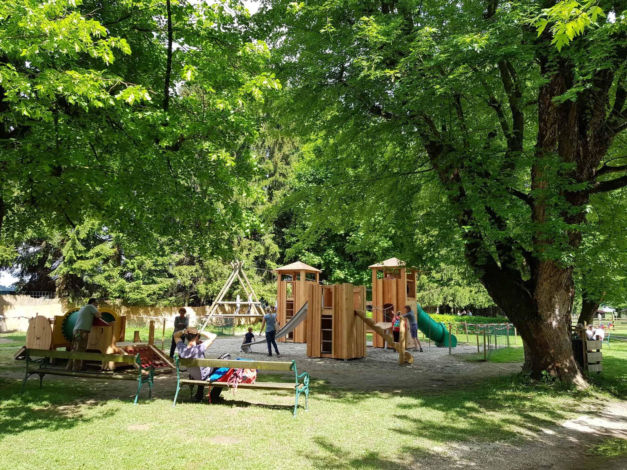 Spielplatz in Rosegg - Ausflugsziel für Familien in Kärnten, Österreich