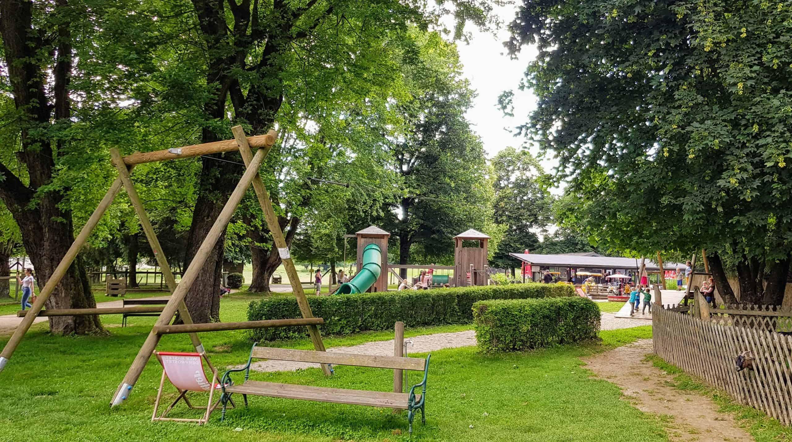 Spielplatz für Kinder in Kärnten im Tierpark Rosegg