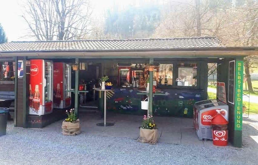 Imbiss und Buffet Hirschenwirtin im Wildtierpark Rosegg in Kärnten